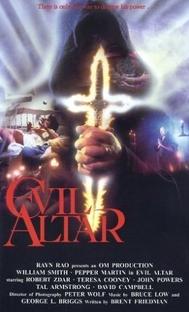 Altar do Diabo - Poster / Capa / Cartaz - Oficial 1