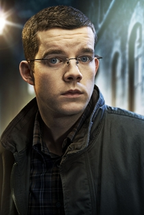Russell Tovey - Poster / Capa / Cartaz - Oficial 2