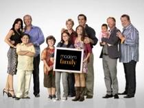 Família Moderna (2ª Temporada) - Poster / Capa / Cartaz - Oficial 2