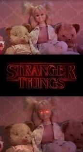 Stranger Things: O Maior Mistério dos Anos 80 - Poster / Capa / Cartaz - Oficial 1