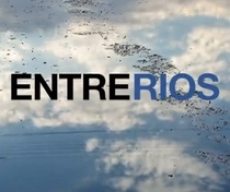 Entre Rios - Poster / Capa / Cartaz - Oficial 1