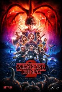 Stranger Things (2ª Temporada) - Poster / Capa / Cartaz - Oficial 1