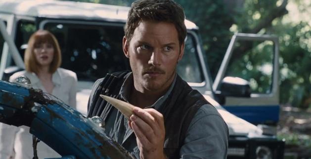 Eli Roth está em negociação para dirigir Jurassic Park com tubarões!