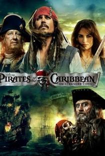 Piratas do Caribe: Navegando em Águas Misteriosas - Poster / Capa / Cartaz - Oficial 6