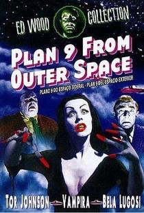 Plano 9 do Espaço Sideral - Poster / Capa / Cartaz - Oficial 16