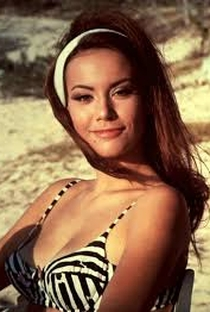 Claudine Auger - Poster / Capa / Cartaz - Oficial 5