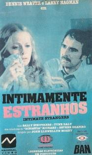 Intimamente Estranhos - Poster / Capa / Cartaz - Oficial 1