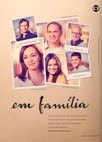 Em Família - Poster / Capa / Cartaz - Oficial 1