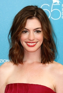 Anne Hathaway - Poster / Capa / Cartaz - Oficial 3
