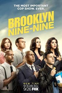 Brooklyn Nine-Nine (5ª Temporada) - Poster / Capa / Cartaz - Oficial 1