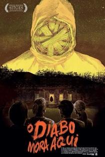 O Diabo Mora Aqui - Poster / Capa / Cartaz - Oficial 1