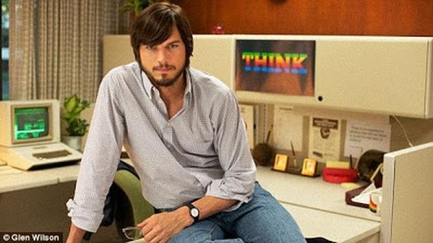 GARGALHANDO POR DENTRO: Notícia | Primeira Imagem Oficial De Ashton Kutcher Como Steve Jobs