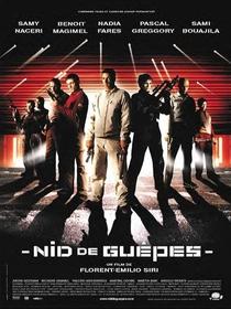 Ninho de Vespas - Poster / Capa / Cartaz - Oficial 1