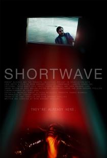 Shortwave - Poster / Capa / Cartaz - Oficial 2