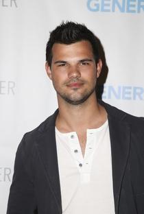 Taylor Lautner - Poster / Capa / Cartaz - Oficial 4