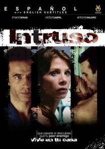 Intruso - Poster / Capa / Cartaz - Oficial 1