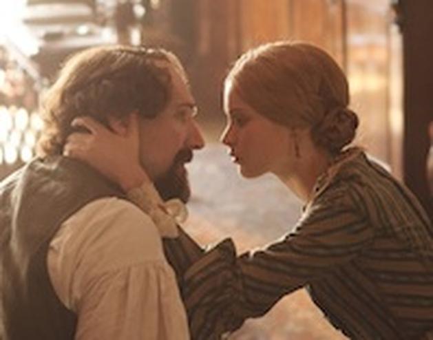 "Ralph Fiennes no trailer de ""The Invisible Woman"""