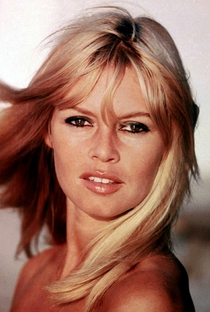 Brigitte Bardot - Poster / Capa / Cartaz - Oficial 24