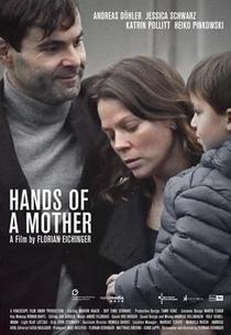 Hands of a Mother - Poster / Capa / Cartaz - Oficial 1