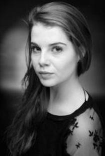 Lucy Boynton - Poster / Capa / Cartaz - Oficial 3