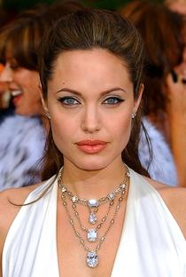 Angelina Jolie - Poster / Capa / Cartaz - Oficial 5