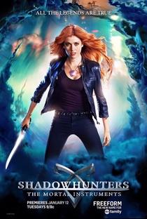 Shadowhunters - Caçadores de Sombras (1ª Temporada) - Poster / Capa / Cartaz - Oficial 1