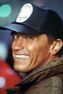 Arnold Schwarzenegger - Poster / Capa / Cartaz - Oficial 16