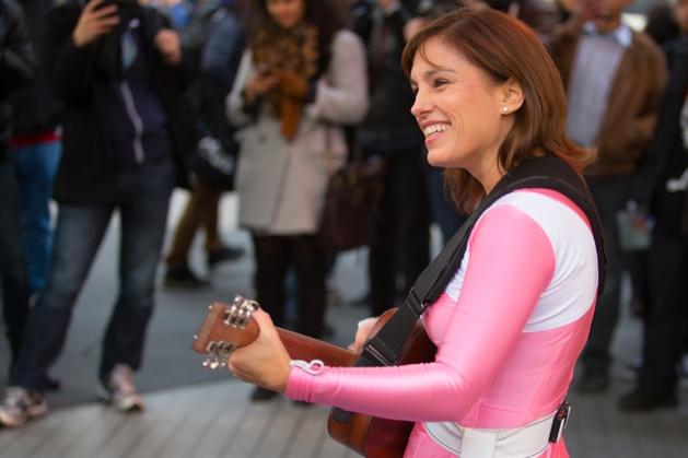 Power Rangers: Amy Jo Johnson, a Ranger Rosa, diz que participaria do reboot