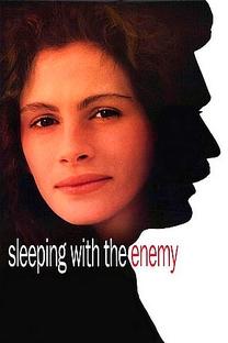 Dormindo Com o Inimigo - Poster / Capa / Cartaz - Oficial 3