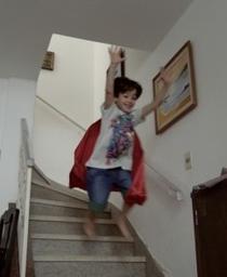 Meu Pequeno Herói Não Sabe Voar - Poster / Capa / Cartaz - Oficial 1