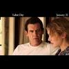 """Kate Winslet e Josh Brolin vivem romance perigoso em 3 comerciais de """"Refém da Paixão"""""""
