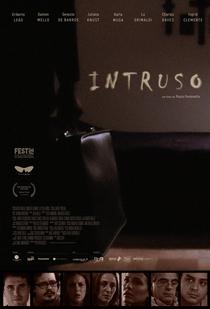 Intruso - Poster / Capa / Cartaz - Oficial 1