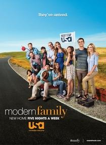 Família Moderna (8ª Temporada) - Poster / Capa / Cartaz - Oficial 2
