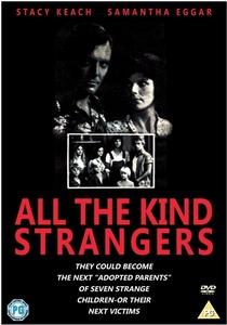 Todos Muito Estranhos - Poster / Capa / Cartaz - Oficial 1