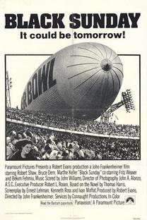Domingo Negro - Poster / Capa / Cartaz - Oficial 1
