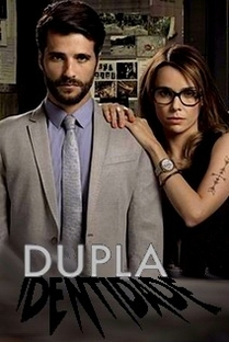 Dupla Identidade (1ª Temporada) - Poster / Capa / Cartaz - Oficial 2