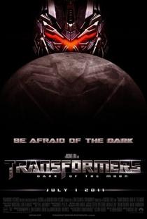 Transformers: O Lado Oculto da Lua - Poster / Capa / Cartaz - Oficial 3