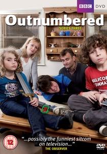 Outnumbered (3ª temporada) - Poster / Capa / Cartaz - Oficial 1