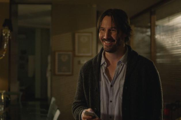 "Keanu Reeves no trailer do terror ""Knock Knock"""