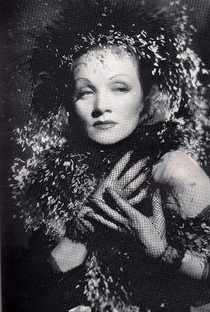 Marlene Dietrich - Poster / Capa / Cartaz - Oficial 7
