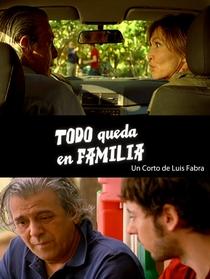 Todo queda en familia - Poster / Capa / Cartaz - Oficial 1