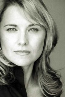 Lucy Lawless - Poster / Capa / Cartaz - Oficial 8