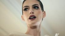 Wide-Awake | Anne Hathaway - Poster / Capa / Cartaz - Oficial 1