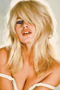 Brigitte Bardot - Poster / Capa / Cartaz - Oficial 2