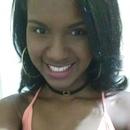 Naomy Oliveira