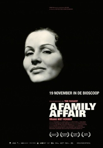 Um Caso de Família - Poster / Capa / Cartaz - Oficial 1