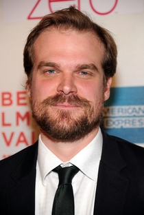 David Harbour - Poster / Capa / Cartaz - Oficial 1