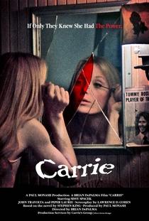 Carrie, a Estranha - Poster / Capa / Cartaz - Oficial 8