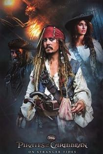 Piratas do Caribe: Navegando em Águas Misteriosas - Poster / Capa / Cartaz - Oficial 9
