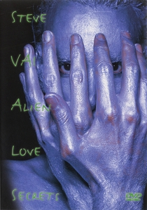 Alien Love Secrets - Poster / Capa / Cartaz - Oficial 1